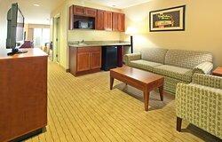 Large suite great for families. Fridge, microwave & Keurig Coffee