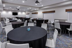 Host your next meeting or event in the Knapp-Stout Room.