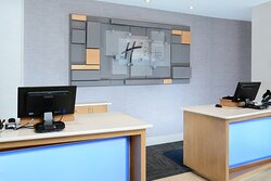 Enjoy a quick check in at our hotel near RDU along I-40 in Durham.