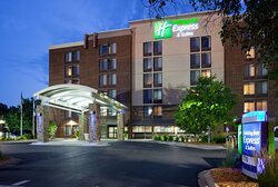 Holiday Inn Express & Suites Bloomington Mpls Arpt Area West