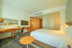 1 Queen Bed Superior Room
