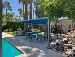 Poolside Outdoor Dining