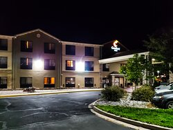 Comfort Inn North - Air Force Academy Area at Night