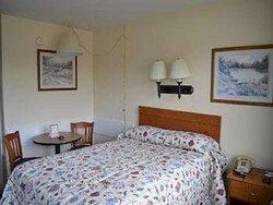 Stay Express Inn Hammond Queen Bed Room