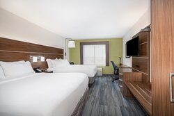Guest Room with 2 Queen Beds, Well-Lit Work Desk and Free WiFi