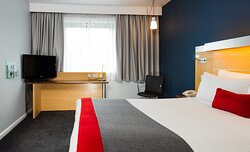 Our wheelchair accessible rooms are spacious with wide doorframes