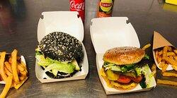 Nos burgers disponible en vente à emporter, en direct ou sur deliveroo