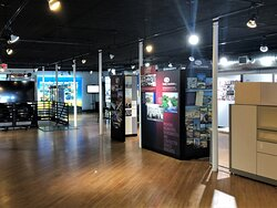 The National Pearl Button Museum has two floors. The first floor delves into the history of the pearl button industry and its influence on the community. The second floor is home to exhibits developed by community sponsors that detail their history and impact.