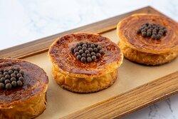 JW Patisserie - Croissant Dulce de Leche