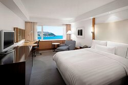 Executive Beach Queen Guest Room
