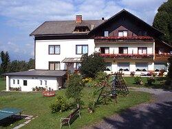 """Wirtshaus """"Zum Gustl"""" und Naturgut Gailtal"""