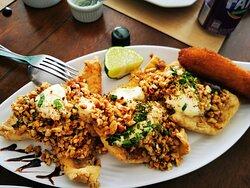 Surpreendente: pratos deliciosos, combinações perfeitas, ambiente aconchegante e pessoas acolhedoras. Imperdível!