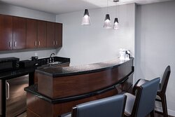 One-Bedroom Suite - Dining Area