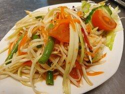 Som Tam (Thai Spicy Payaya salad)