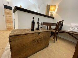 l'antica cassa in legno pregiato di champagne