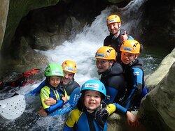 Barrancos en Guara - Huesca  con niños Buenaventura Canyoning