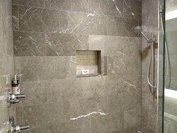 King room shower at the Hyatt Regency Lake Washington in Renton, WA