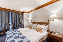 Classic Double Room Matterhorn View - Grand Hotel Zermatterhof