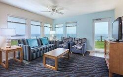 Living Room - Depoe Bay