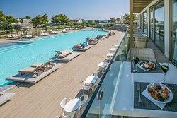 Swimming pool-restaurant