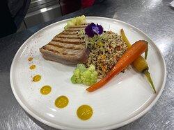 Fresh tuna with tricolour quinoa
