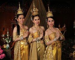 "Thai authentic costume by Thai Style Studio  Where you will find your exclusive Thainess experience ♥️ ┏━━━━━━━━━♦️━━━━━━━━━┓        Embracing Thai heritage that we proud ┗━━━━━━━━━♦️━━━━━━━━━┛ เราต่างมีเรื่องราวความเป็นไทยที่รอเปิดเผย ""เพราะเราเชื่อว่ามากกว่าความรู้สึกคือการสัมผัสด้วยตัวคุณเอง"" . Including Dress & accessories. Makeup & hairstyle by a professional team. With Thai photo shooting service."