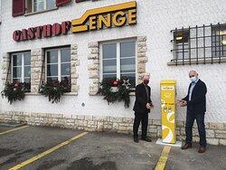 E-Autos können während dem Aufenthalt im Gasthof Enge kostengünstig aufgeladen werden !