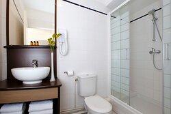 T1DB - Standard Double Studio - Bathroom