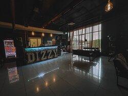 Пространство Dizzy Smoke Bar