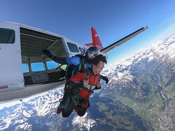 We operate airplane and helicopter tandem skydives every day of the year as long as the weather permits. Enjoy the spectacular view of the Swiss Alps during the scenic flight to altitude, followed by a 45-second adrenaline-pumping freefall.  We are a highly experienced team of skydivers with high standards of safety, comfort and personal service. We value nothing more than enabling you to share the joy of a tandem skydive and the beauty of the Swiss Alps.