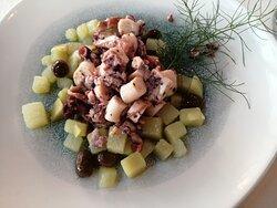 Antipasto: Piovra con patate e olive taggiasche.