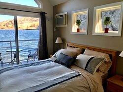 Vaseux Lakeside Resort