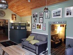 Cead mile failte go dti Abbey Bed and Breakfast. Reception and lobby area.