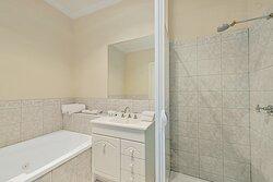 Executive Suite with a Spa Bath bathroom