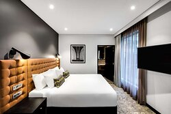 vibe hotel north sydney guest room bedroom