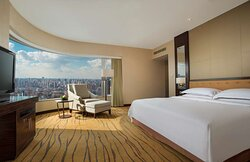 King Deluxe Panorama Room at The Kunlun Jing An