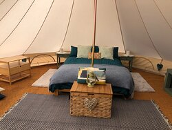 Furnished 5mtr bell tent with private kitchen