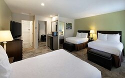 Guest Room With 3 Queen Beds
