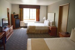 Adjoining Two Queen Guest Rooms