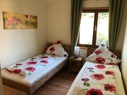 """""""Forststube"""" - Schlafzimmer mit Einzelbetten"""