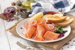 Строганина с лососем