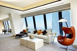 Grand One Bedroom Suite Living Room, Sea View