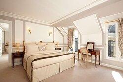 Suite Parisian Hotel Regina Paris
