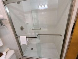 Upgraded King Showers