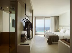 White Coast Suite with Private Pool &Panoramic Sea View