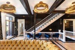 Grand Lounge