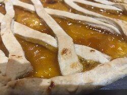 Crostata di albicocche, con zucchero di canna, senza burro e senza uova.....solo tanta bontà!!!!!  Crostata de albaricoque, con azúcar moreno, sin mantequilla ni huevo.....sòlo mucha exquisitez!!!