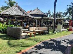 Special Experience in Beachfront Brunch With Pregobali-westin Nusa Dua