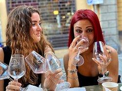 un format adatto a più o meno giovani, ma sicuramente per i giovani c'è da divertirsi e bere bene!