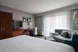 Business level guest room